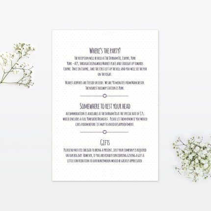 https://www.loveinvited.co.uk/wp-content/uploads/2017/10/country-bunting-wedding-information-card-430x430.jpg