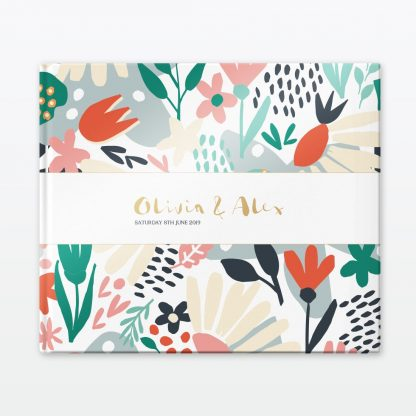 Summertime wedding photo book Love Invited